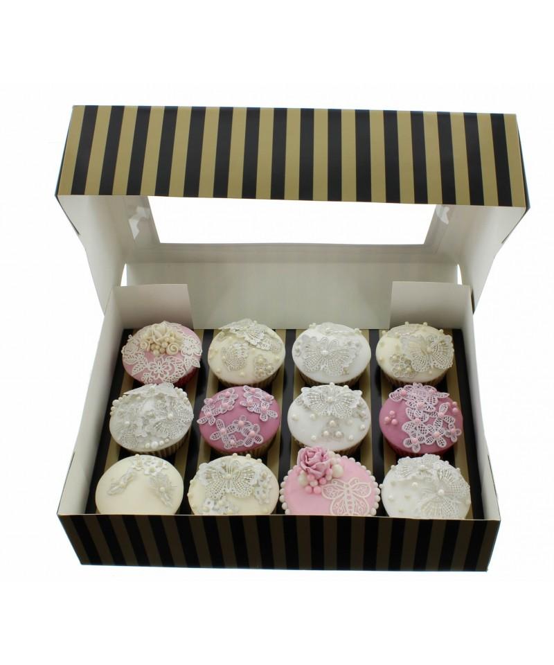 bo te chic pour douze cupcakes or et noir cette bo te cupcake de. Black Bedroom Furniture Sets. Home Design Ideas