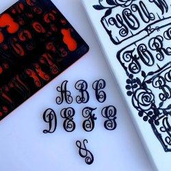 Embosseur Majuscules MONOGRAMS by Evil Cake Genius Sweet Stamp